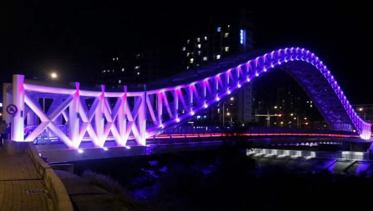 2018 03 09 105130 - 台中景點│橫跨旱溪的紫藍色彩海天橋,夜裡不可錯過的迷人紫調!