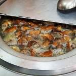 良記燒臘│滿滿的鴨脖子湯讓客人自行取用吃到飽,招牌飯有四樣主菜,也很澎湃~