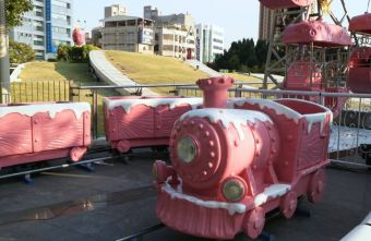 草悟廣場充滿少女心粉紅樂園登場!粉紅色海盜船、旋轉木馬、巨大夾娃娃機