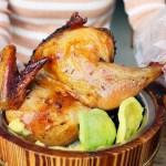 熱血採訪|烤半雞、巨無霸大魷魚丼飯好誇張,還有高麗菜絲飲品小菜吃到飽!