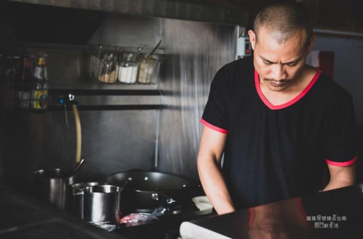 2019 03 19 002512 - 台南泰國料理,泰國人開的無菜單料理,用餐時刻很多外國人,店名我不會打