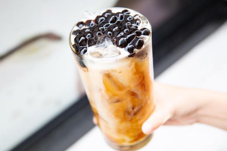 2019 05 30 112541 - 台南手搖飲料另類選擇,有鹹食炸物可以內用的金三益都會茶飲