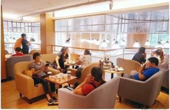 2019 09 01 000128 - 全台第一間全聯咖啡館開幕囉!早上就能吃到多款甜點,營運首日人潮擠爆~