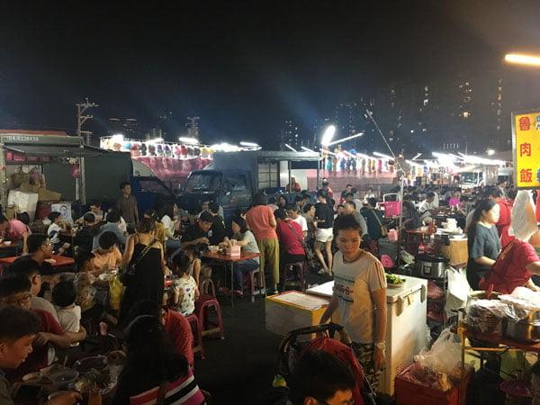 2019 10 10 221945 - 平日6點逛大慶夜市,經過有排隊的攤位懶人包紀錄