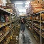 強烈建議千萬不要來會失心瘋,台南大型零食批發就在百興隆食品行
