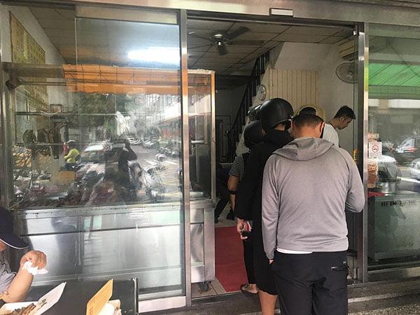 2019 10 17 061217 - 廣豐燒臘,太原路人氣便當店,天天排隊便當料多到要滿出來