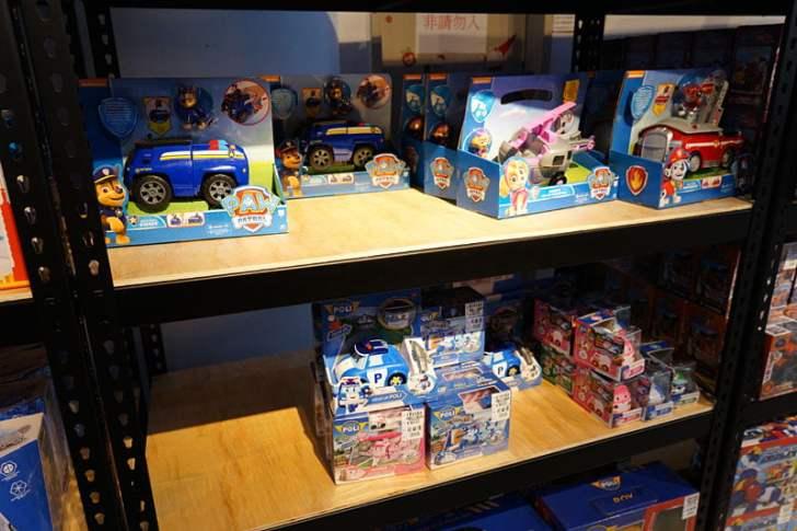 2019 12 13 012835 - 熱血採訪│台中首間包裝NG玩具專賣店新開幕,藏匿在市區地下室的2kids