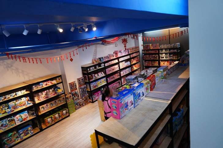 2019 12 14 231742 - 熱血採訪│台中首間包裝NG玩具專賣店新開幕,藏匿在市區地下室的2kids