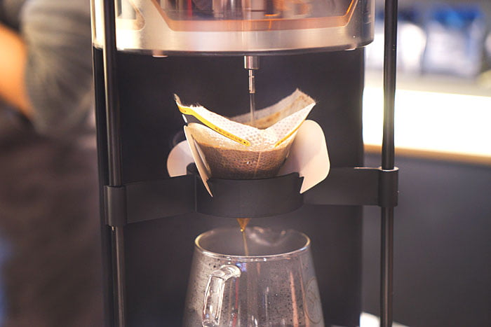 2020 01 04 160156 - 熱血採訪│沒預約喝不到!藏在新時代百貨的世界冠軍手沖咖啡,就在iDrip智能手沖咖啡機展銷中心