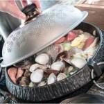 熱血採訪│台中少見悶燒蛤蜊鍋,一開鍋整個胃口大開,營業到凌晨的京燒渦物