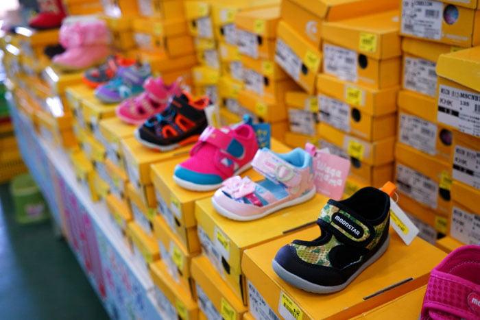 2020 11 05 191704 - 熱血採訪│台中童鞋工廠開倉,只有十天,加1元多1件,錯過只能等明年