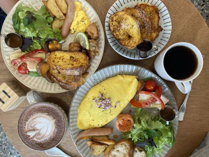 2020 12 31 215619 - 西區早午餐|台中人氣早午餐小家山食,包著菠菜的歐姆蛋捲你吃過嗎?