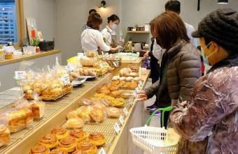 2021 02 18 095840 - 熱血採訪 | 麥嵐綺麵包台中店搬新家,鄰家麵包店新面貌,人氣肉桂捲、海鹽麵包、可頌好搶手~