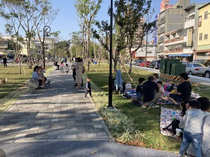2021 02 25 213520 - 台中南區全新綠川水淨樂園,多樣新奇兒童遊樂設施,地面鋪上防護地墊更安全