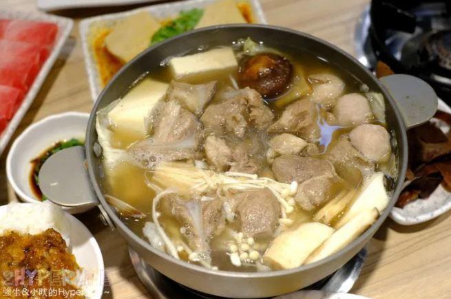 2021 03 17 230502 - 熱血採訪│這間肉骨茶鍋料很滿!滷肉飯、飲料、炸點心無限取用吃到飽