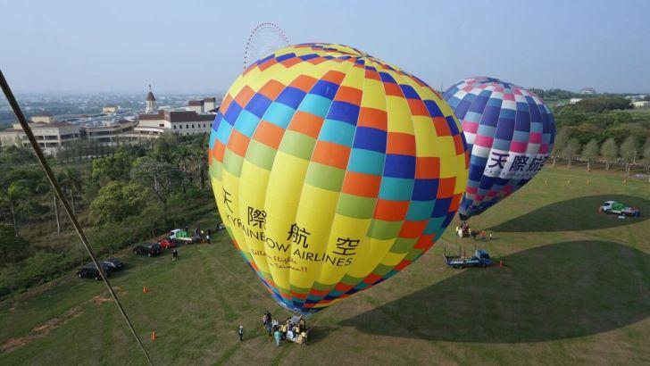 2021 04 02 233100 - 台中也有熱氣球!繽紛療癒好好拍,還可體驗熱氣球繫留,從天空俯視整座城市