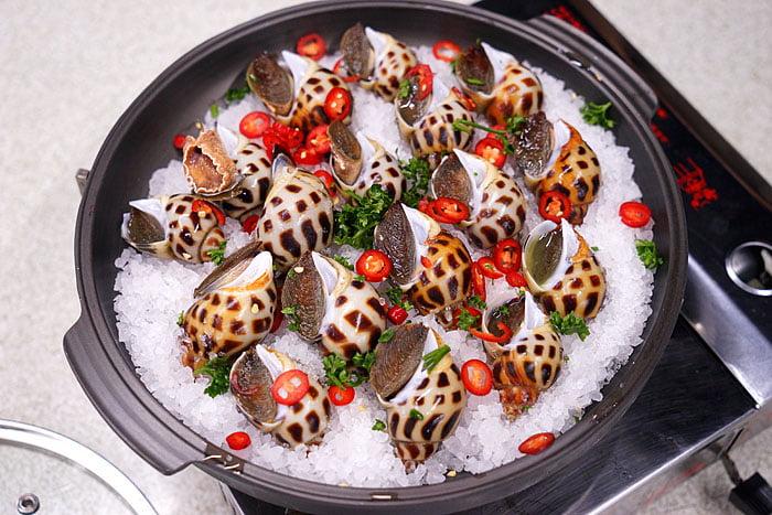 2021 04 22 005410 - 熱血採訪│這間海鮮超多人,厚切生魚片一大盤吃到爽,參加活動30片只要200元超浮誇