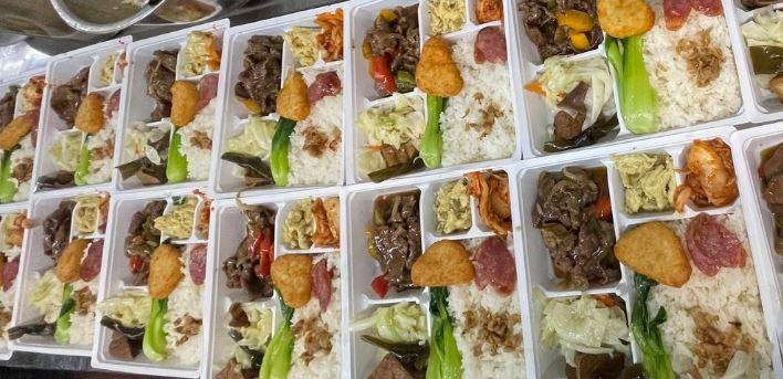 2021 07 11 021005 - 熱血採訪│期間限定梅香焗子排餐盒,一次8種配菜超豐富,外帶自取送飲料,就在鴻龍宴