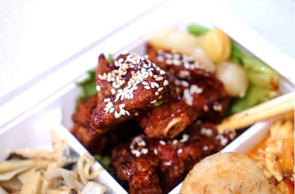 2021 07 14 173707 - 熱血採訪│期間限定梅香焗子排餐盒,一次8種配菜超豐富,外帶自取送飲料,就在鴻龍宴