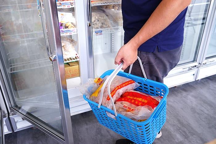 2021 07 19 015644 - 熱血採訪│全台首間卜蜂門市在台中!逛小超市還能買現炸炸雞