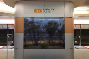 graphic-signage-marina-bay-mrt-station-09