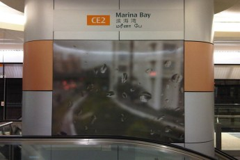graphic-signage-marina-bay-mrt-station-12