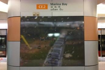 graphic-signage-marina-bay-mrt-station-14