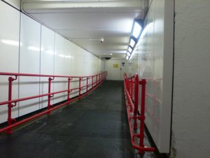 tunnel-wakefield-tunnel-uk-2010-04