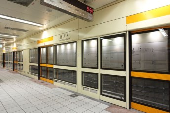 graphic-signage-xingtian-temple-mrt-station-03