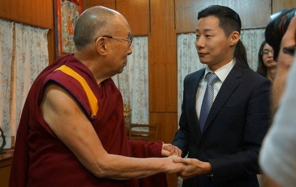 Freddy Lim and the Dalai Lama meet