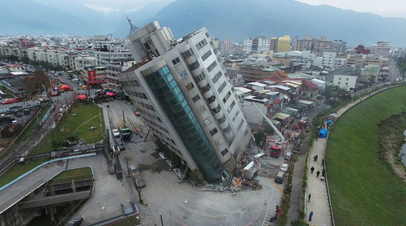partially collapsed building in hualien city 2018