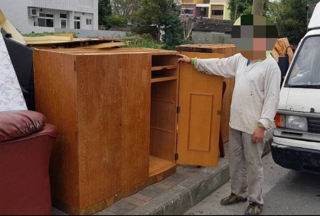 cabinet ready for recycling contain gold bars and jewelry