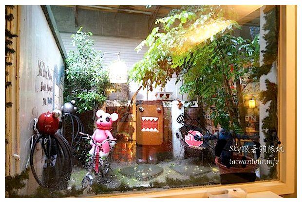 台中綠園道機器人主題餐廳鐵皮駛839