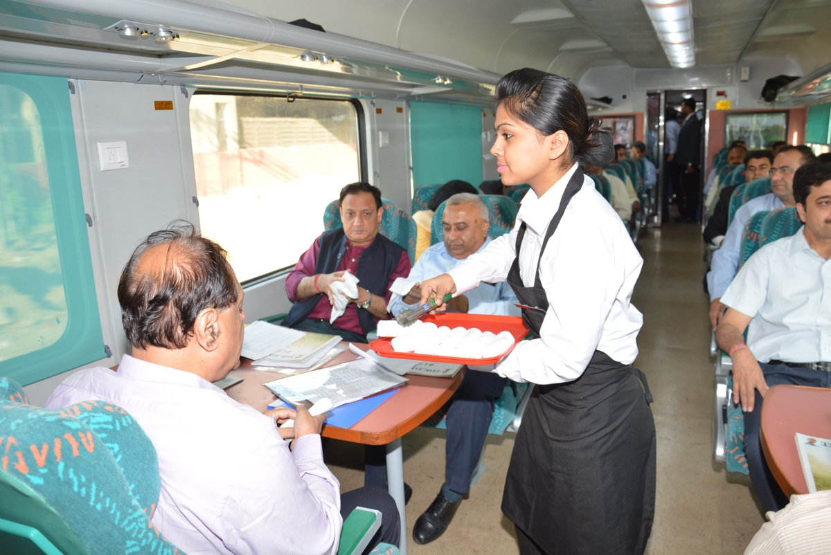 same day agra tour by gatimaan express serve breakfast