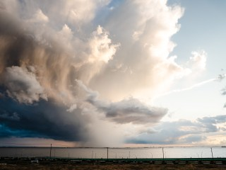 幻想的な雲と新型コロナウィルス