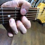ギター初心者、コード弾き〜まずはローコードをマスターしよう