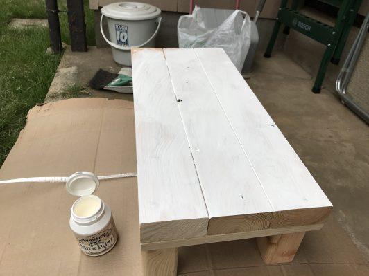 塗り始めます。