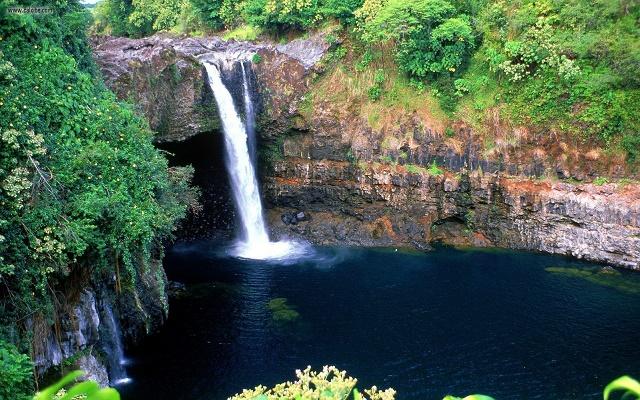 hawaii-hilo-rainbow-cascade