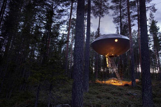 ツリーホテルtreehotel UFO (1)