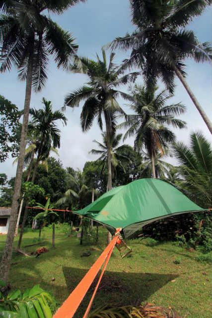 空中に張るハンモックのようなテント「Tentsile」 (2)