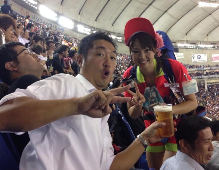 美人ビール売り子 (1)