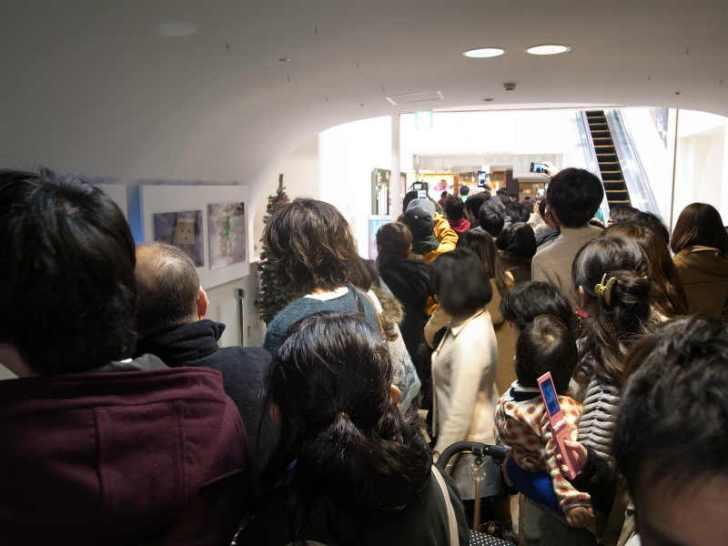 名古屋パルコで等身大着ぐるみダンボーを撮影[よつばとダンボー展2013] (2)
