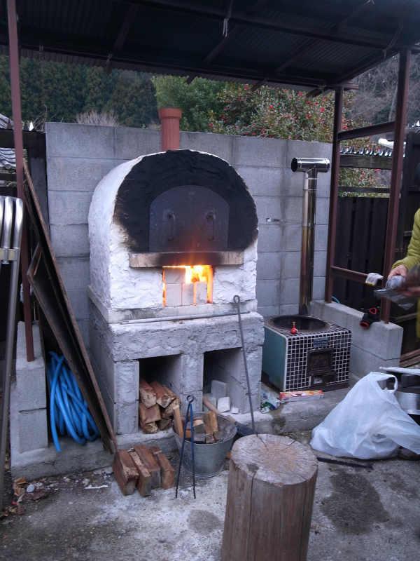 石窯や薪ストーブや暖炉キットを通販で買って手作りする時代 (1)