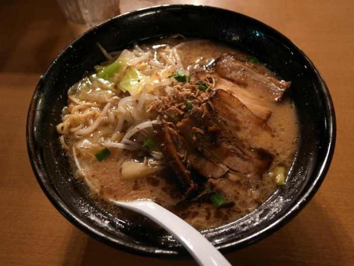 名古屋駅直結の驛麺通りにある札幌ラーメン「ほくと亭」旭川ラーメン「だいせつ洞」の感想 (1)