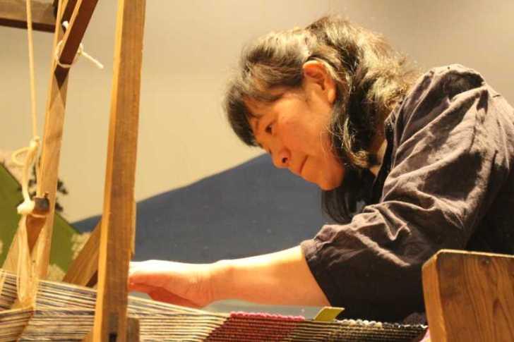 裂き織り体験教室で学ぶ「機織り機の仕組み」 (12)