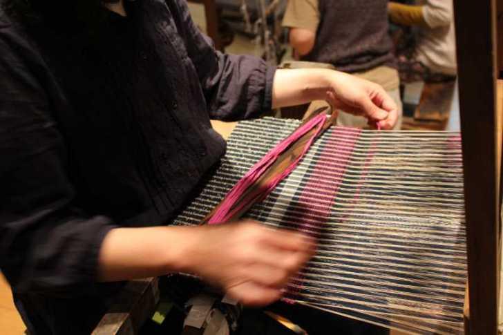 裂き織り体験教室で学ぶ「機織り機の仕組み」 (8)