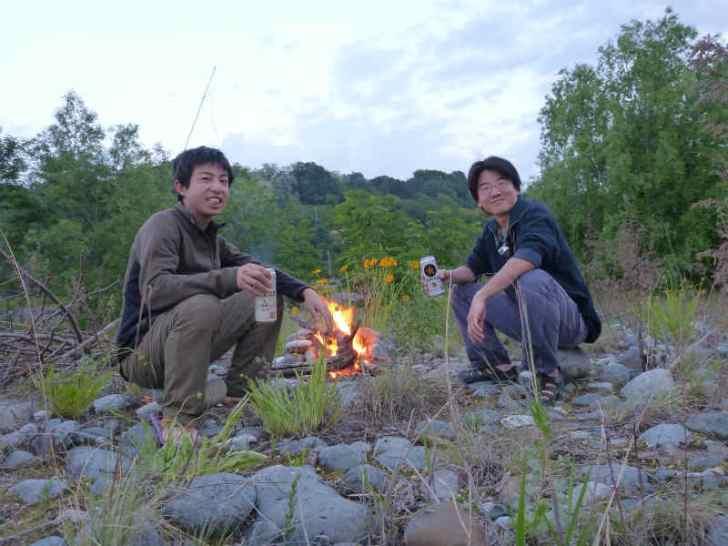 天竜川カヌーツーリングと急流の瀬にもまれる中でカヌーを漕ぐ動画 (2)