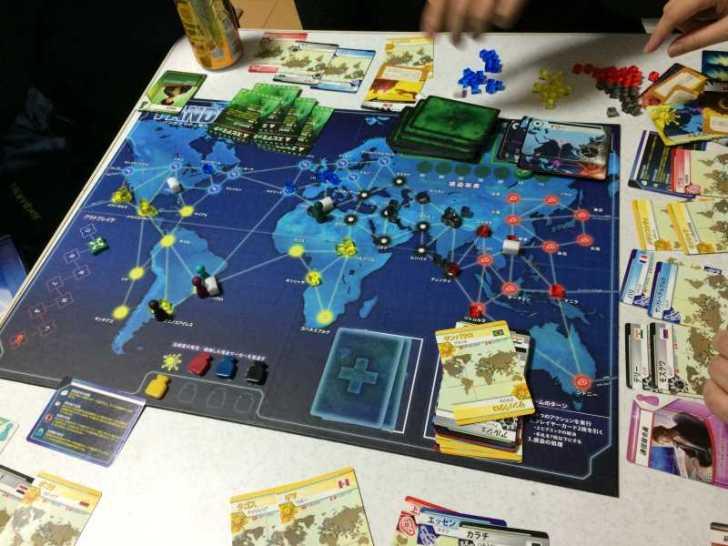 プレイヤー同士が戦うのではなく、全員で協力するボードゲーム「パンデミック新たなる試練 日本語版」 (4)