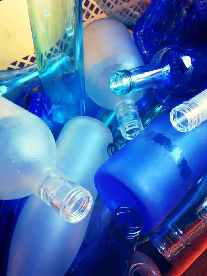 新城市作手新庁舎のガラス窓の衝突防止マークはおしゃれなサギソウ!ガラス瓶を砕くワークショップが楽しすぎた! (8)