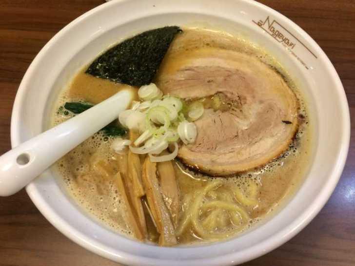 なげやり(Nageyari)のラーメンが麺彩房の味そっくりで美味しすぎる!【岐阜県各務原市】 (9)